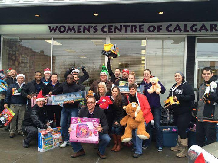 The Team dropping toys off at the Women's Centre – Gymtopia.org